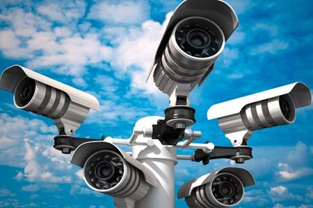 EN UNA COMUNITAT DE PROPIETARIS UN VEÍ POT INSTAL·LAR UNA CÀMERA DE VIDEOVIGILÀNCIA A LA SEVA PLAÇA D'APARCAMENT?